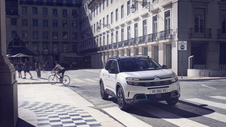 SUV con etiqueta Eco y Cero