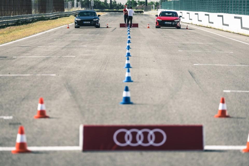 Haz un curso de conducción y disfruta